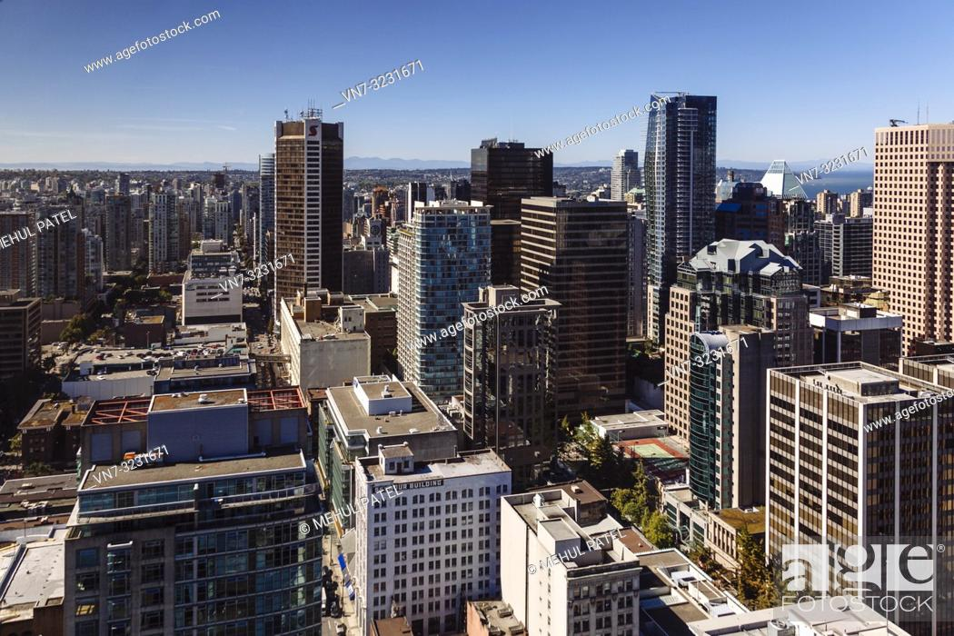 Imagen: High shot of business district in downtown Vancouver, Canada.