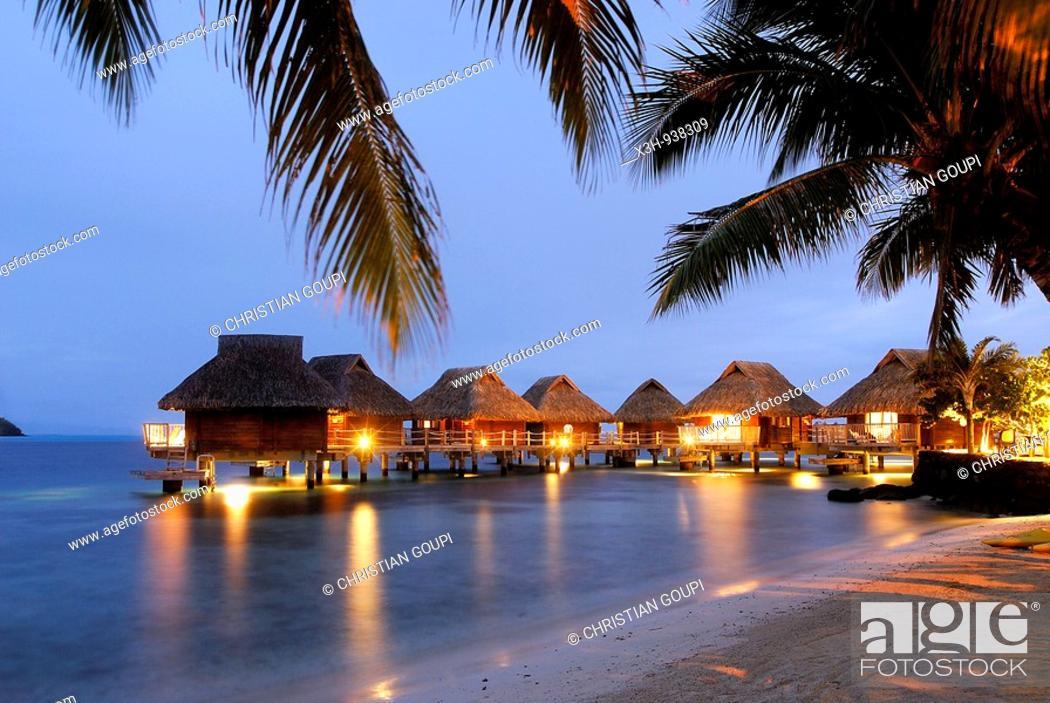 Stock Photo: bungalows sur pilotis,hotel Maitai Polynesia, Bora-Bora,iles de la Societe,archipel de la Polynesie francaise,ocean pacifique sud.