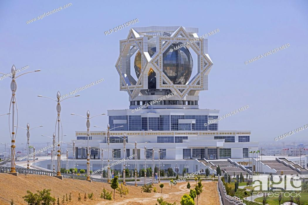 Imagen: Wedding Palace / Bagt Koshgi / Palace of Happiness, civil registry building in the capital city Ashgabat, Turkmenistan.