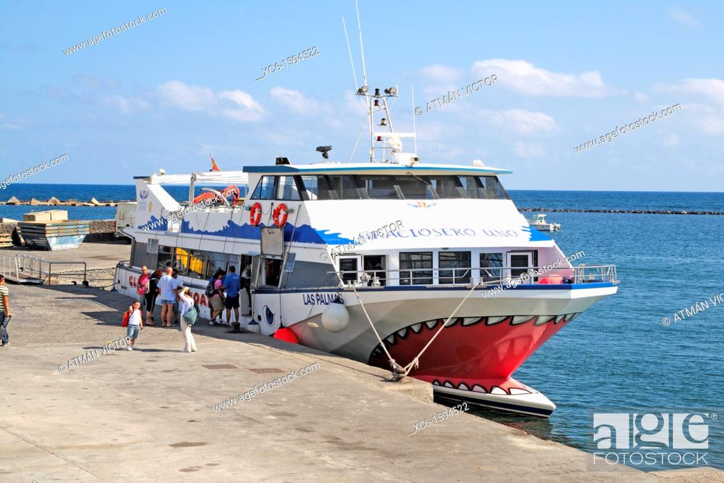Stock Photo: Ferryboat to the island of La Graciosa, Canary Islands, Spain.