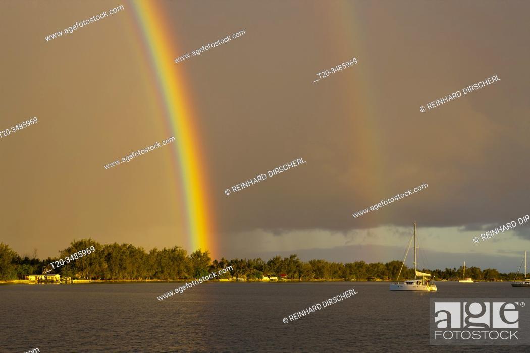 Imagen: Rainbow in front of Rotoava, Fakarava, Tuamotu Archipel, French Polynesia.