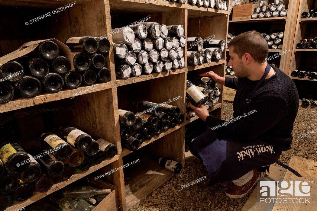 Imagen: Aux caves de la Cote d'Or, wine shop based in Melun, Seine et Marne, France.