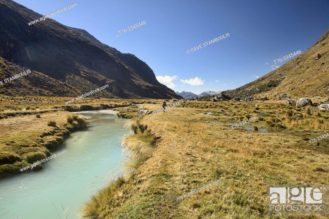 Imagen: The beautiful Waraco River on the Cordillera Real Traverse, Bolivia.