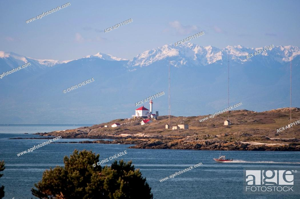 Imagen: Trial Island and Olympic Mountains, British Columbia, Canada.
