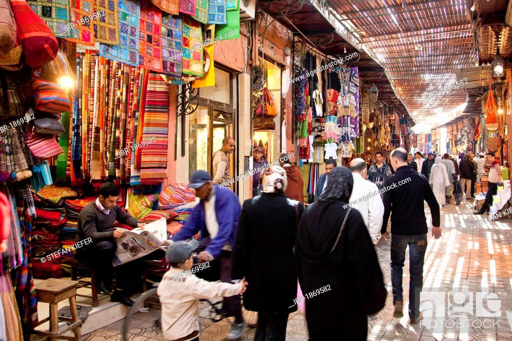 Shops in the souq, market, in the Medina, historic district