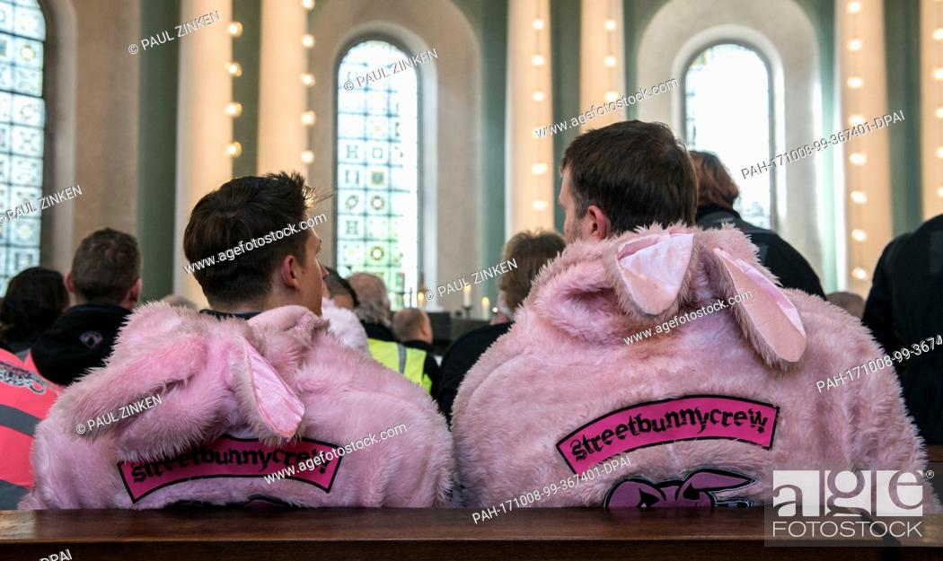 """Stock Photo: Bikers of the """"""""Streetbunnycrew"""""""" can be seen at the St. Hedwig Cathedral in Berlin, Germany, 8 October 2017. Participants of the 44th reminder and memorial."""