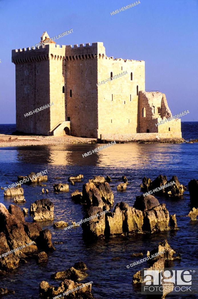 Stock Photo: France, Alpes-Maritimes (06), Iles de Lérins, Saint-Honorat monastery in Cannes.