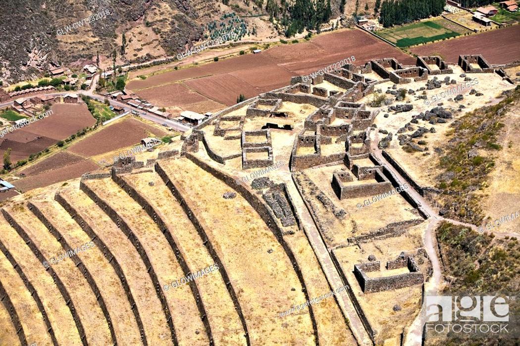Stock Photo: High angle view of ruins of buildings, Q'allaqasa, Pisaq, Peru.