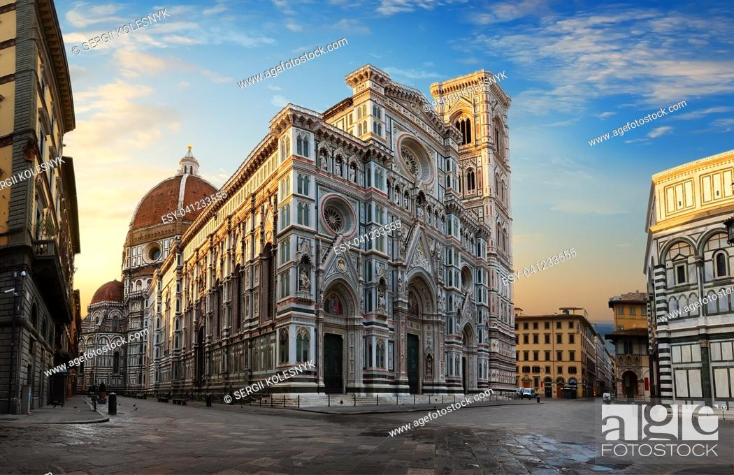 Stock Photo: Facade of famous basilica in Florence at sunrise.