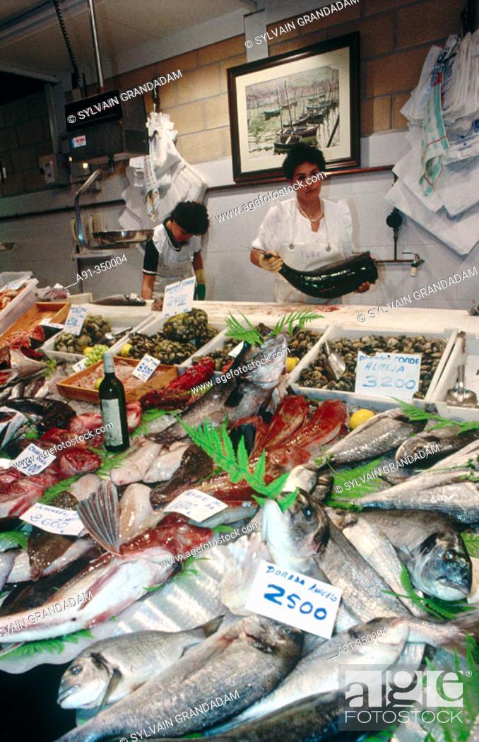 Stock Photo: Fish shop, San Sebastián. Guipúzcoa, Euskadi, Spain.