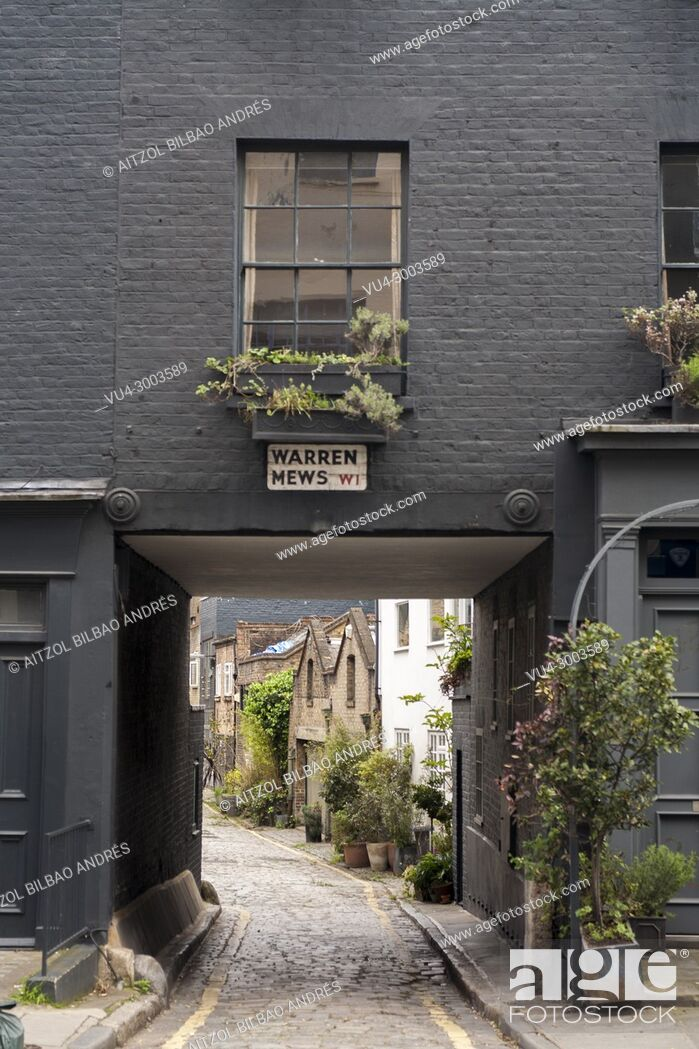Imagen: Warren Mews street, London. A small street near to warren street. Is beautifull to see places like this in te center of a big city.