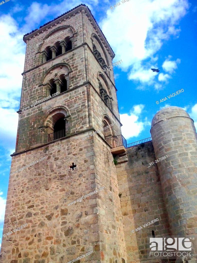 Stock Photo: Church, Trujillo, Extrenadura, Cáceres, Spain.