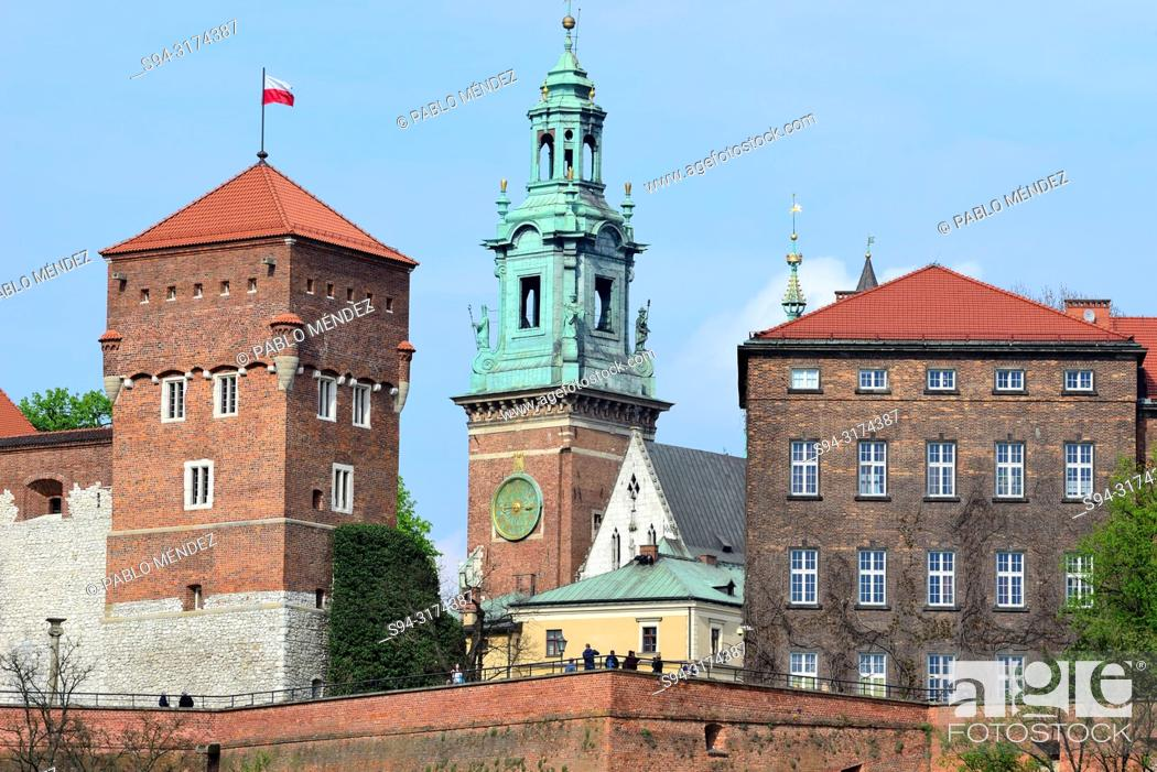 Stock Photo: Wawel: View of the cathedral, Krakow, Poland.