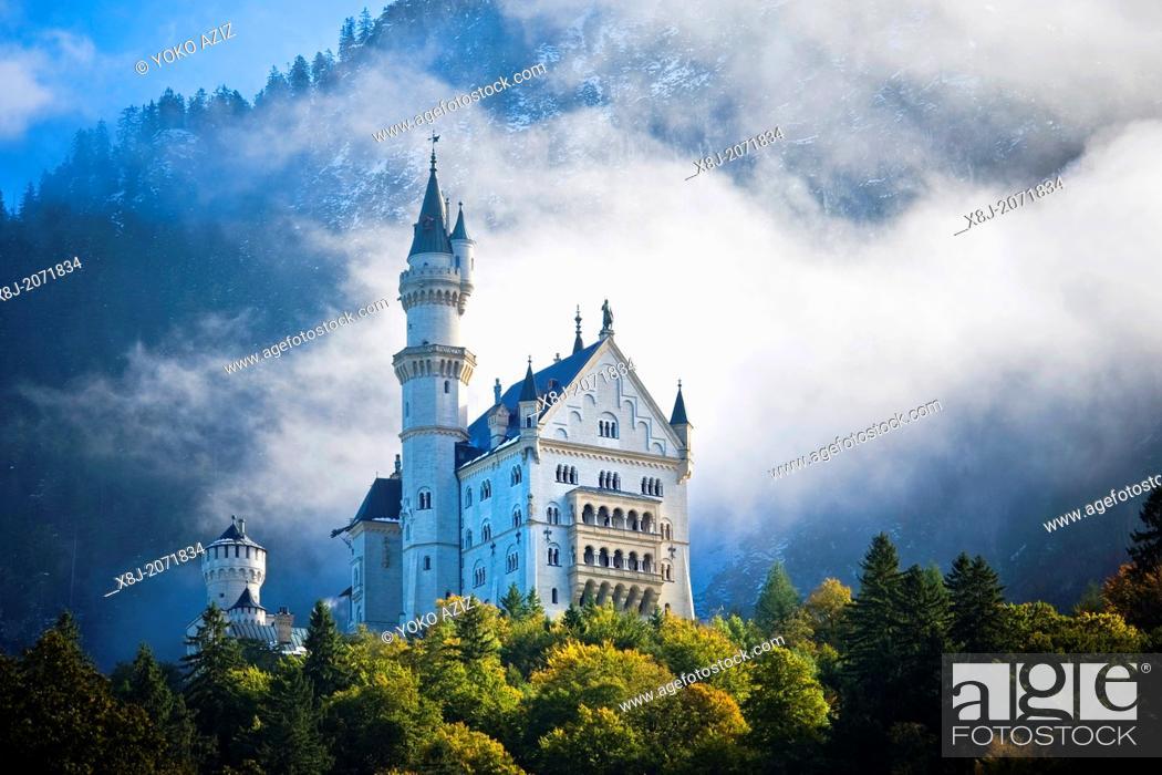 Imagen: Germany, Bavaria, Fussen, Neuschwanstein castle.