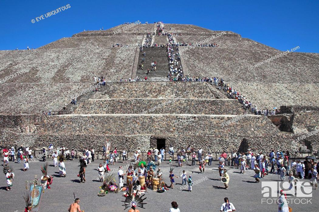 Stock Photo: Tourists, Pyramid of the Sun, Piramide del Sol, Teotihuacan Archaeological Site.