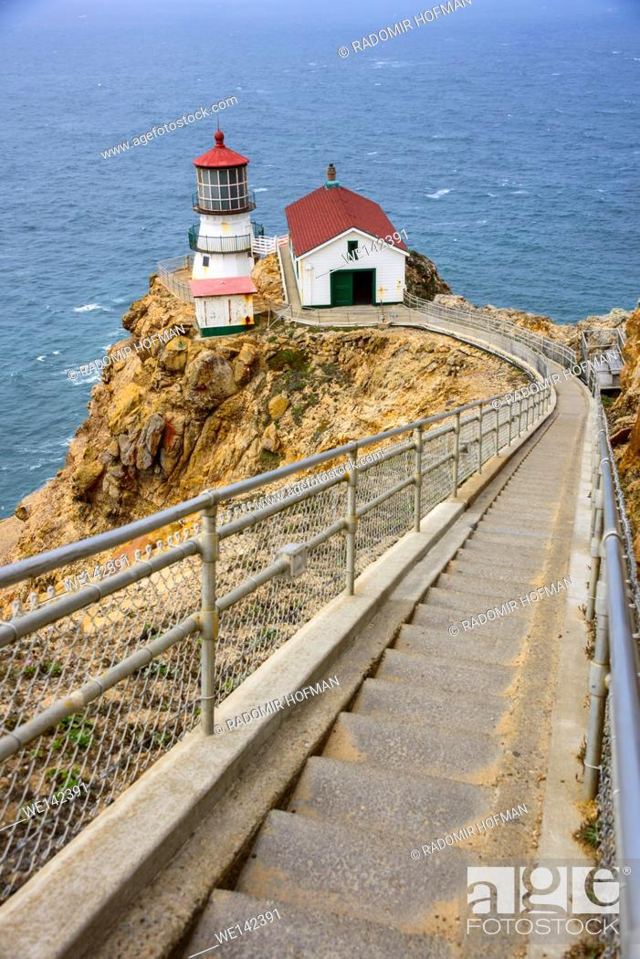 Stock Photo: Point Reyes Lighthouse, California, USA.
