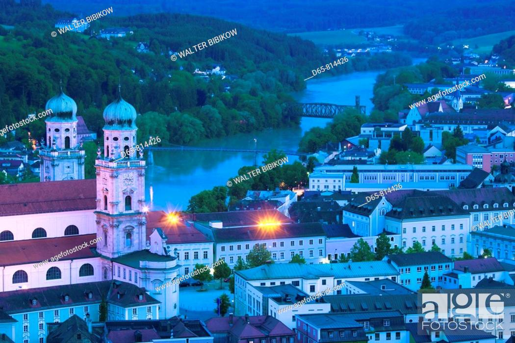 Stock Photo: Old Town and Dom St. Stephan from Veste Oberhaus castle, Passau, Bavaria, Germany.