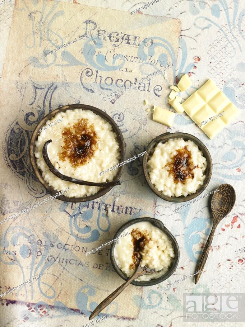 Stock Photo: arroz con leche y chocolate blanco / rice pudding and white chocolate.