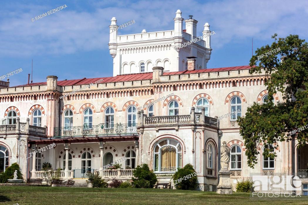 Imagen: Jevisovice chateau, Czech Republic.