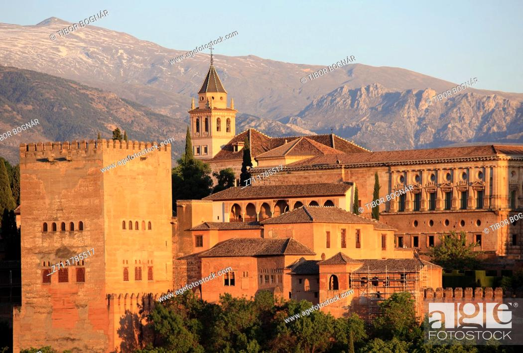 Stock Photo: Spain, Andalusia, Granada, Alhambra, Sierra Nevada,.