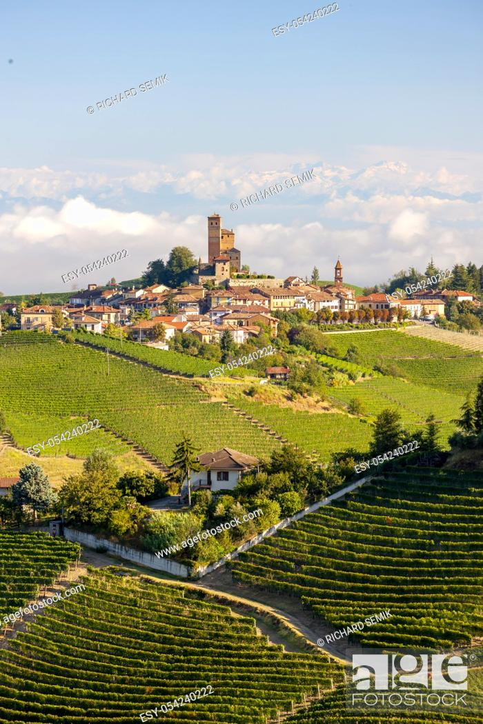 Stock Photo: View of the village of Serralunga d`Alba and the wonderful Langa, italy.