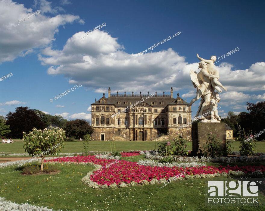 Landscape Park Grosser Garten In Dresden With Gartenpalais And