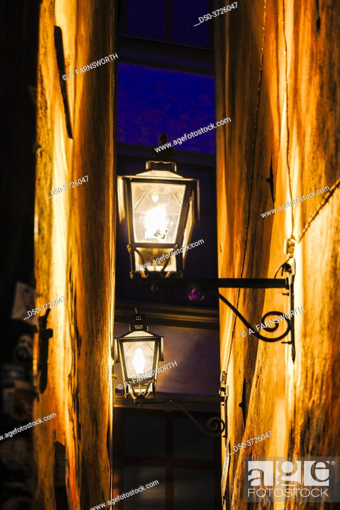 Stock Photo: Stockholm, Sweden Stockholm's narrowest alley, Marten Trotzigs grand, at night.