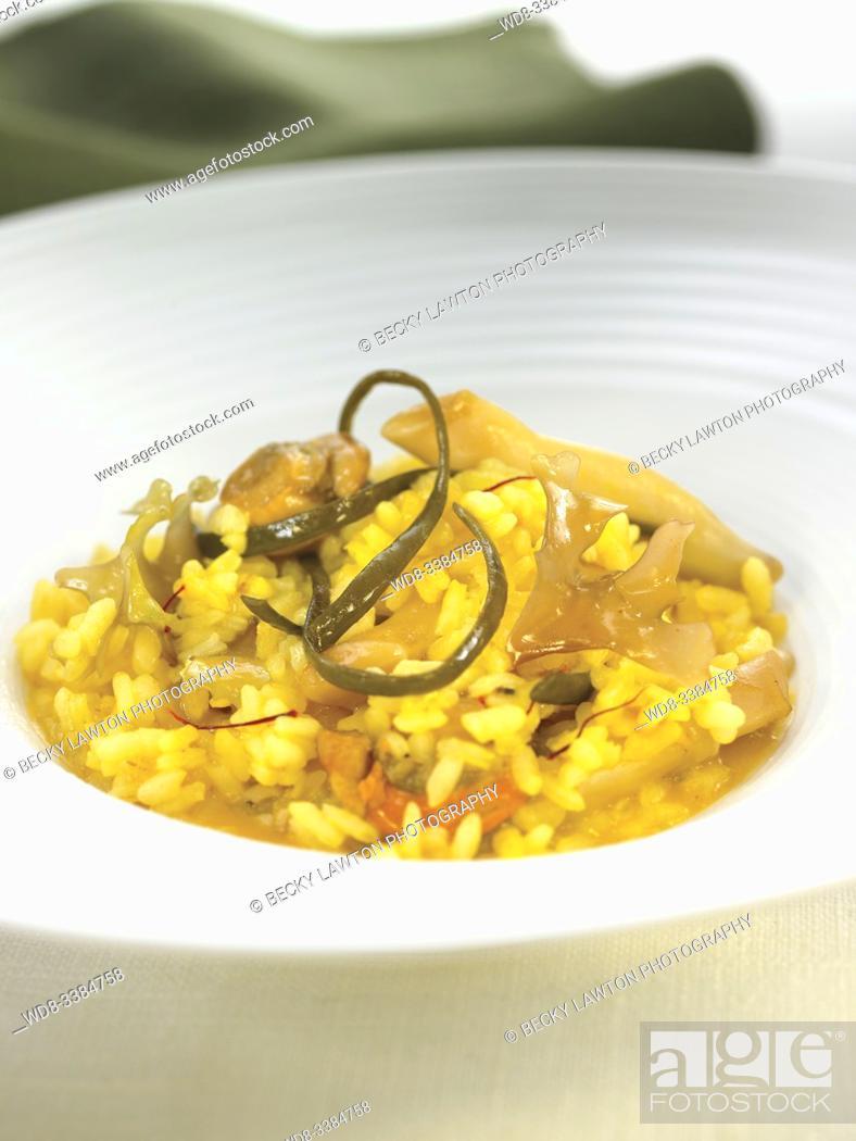 Stock Photo: arroz meloso con frutos del mar / sweet rice with seafood.