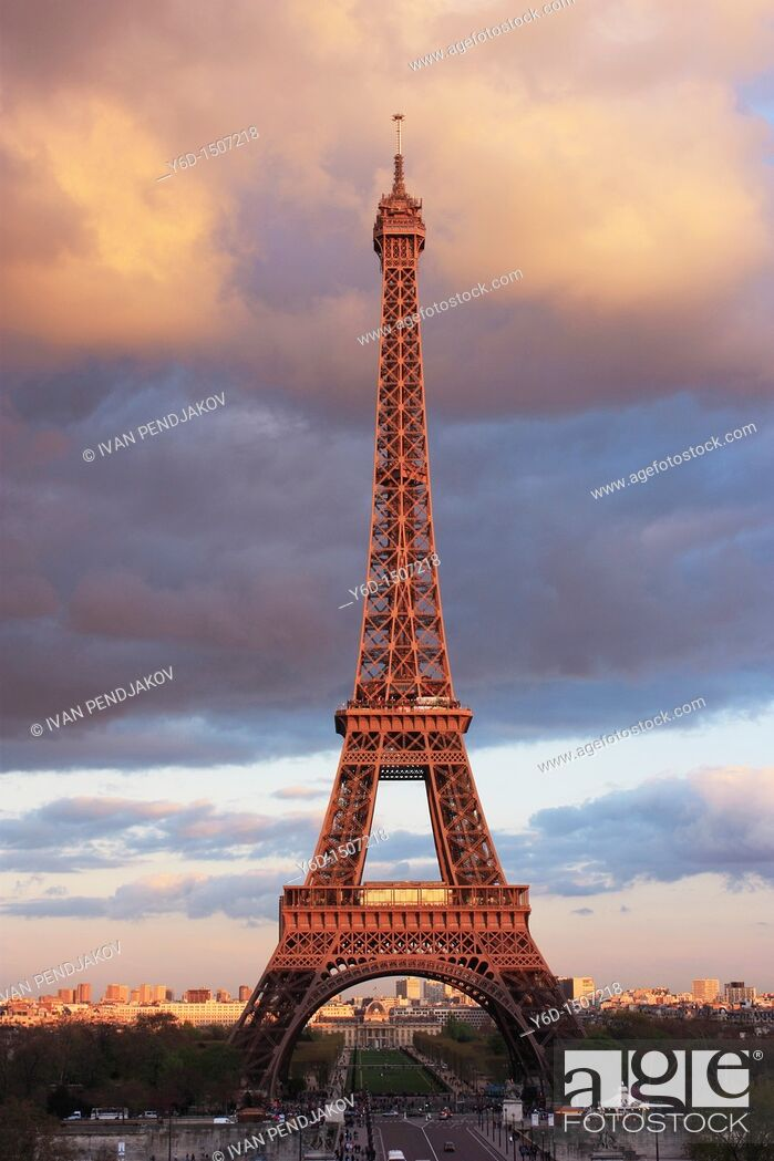 Stock Photo: The Eiffel Tower at Sunset, Paris, France.