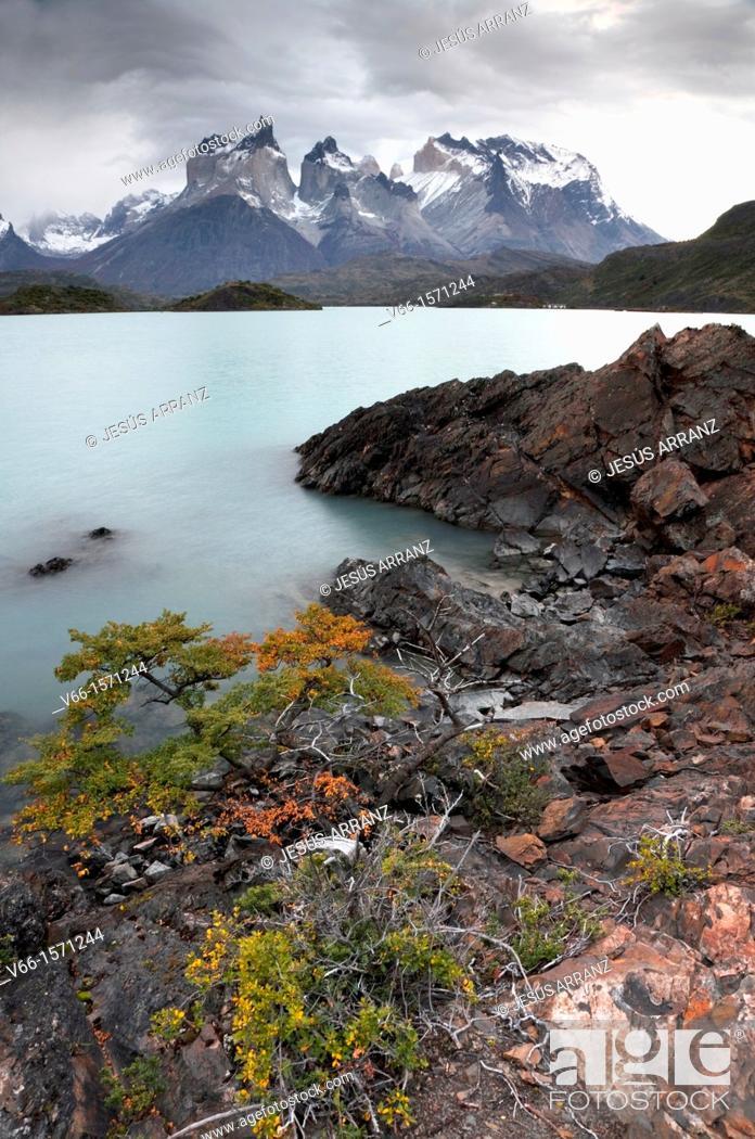 Imagen: Cuernos del Paine, Lake Pehoe, Chile.