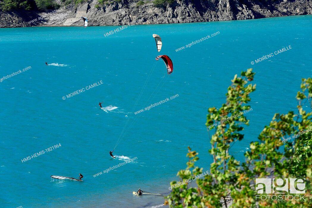Stock Photo: France, Hautes Alpes, Lac de Serre Poncon.