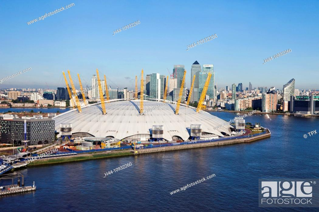 Imagen: England, London, O2 Arena and Docklands Skyline.