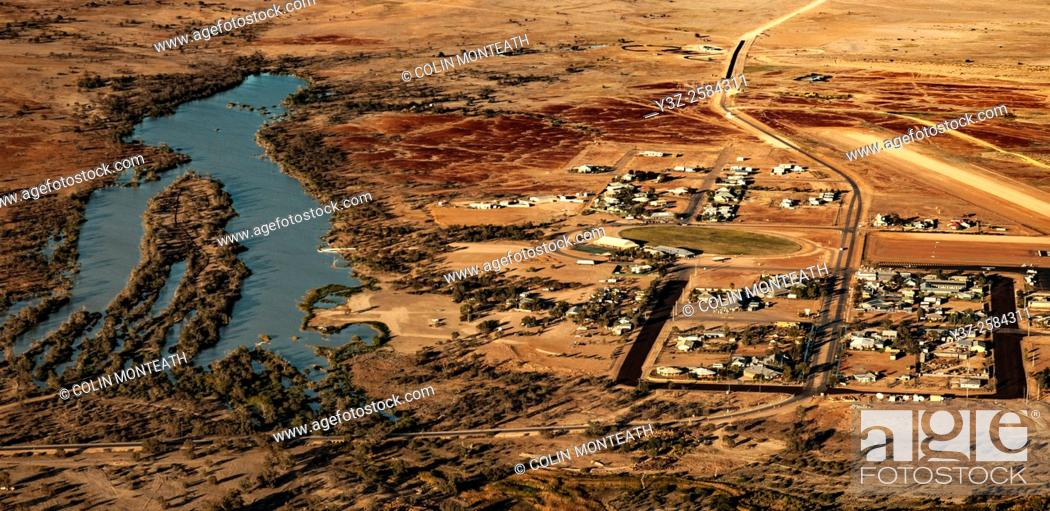 Imagen: Birdsville town on edge of Simpson desert, Diamantina river, billabong, Queensland, Central Australia.