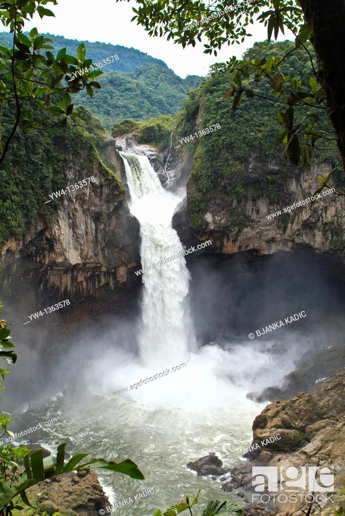 Stock Photo: San Rafael Falls, the higest waterfall in Ecuador, between Baeza and Lago Agrio.