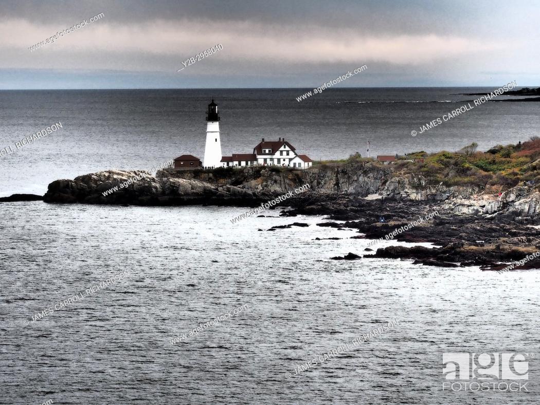 Stock Photo: Maine, Portland Harbor, Portland Head Lighthouse.