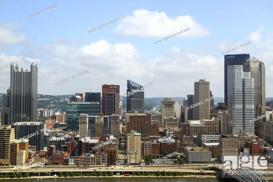 Stock Photo: A view from Mount Washington, Pittsburgh, Pennsylvania, United States, North America.