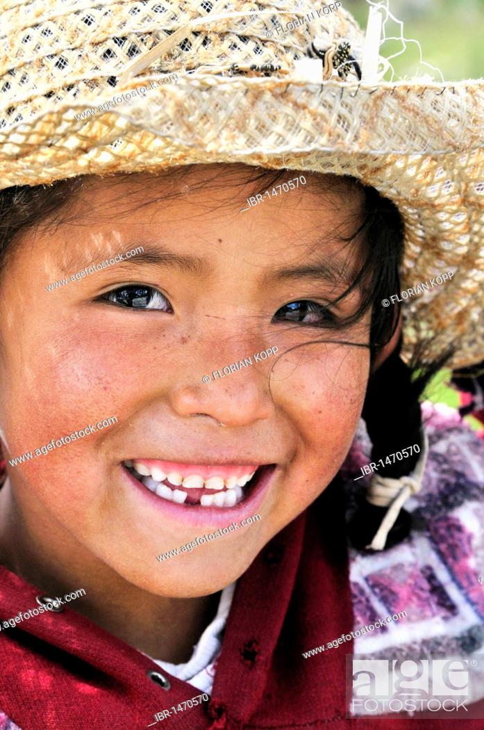Stock Photo: Girl with hat, Bolivian Altiplano highlands, Departamento Oruro, Bolivia, South America.