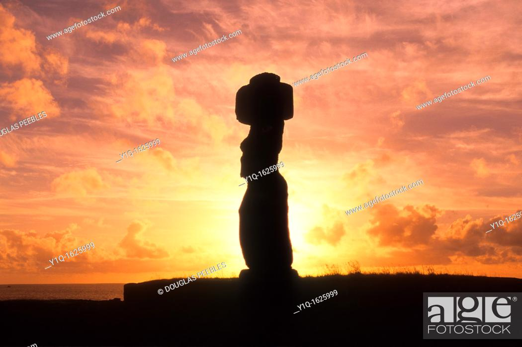 Stock Photo: Sunset, Tahai Archeological site, restored 1968, Easter Island, Rapa Nui, Chile.