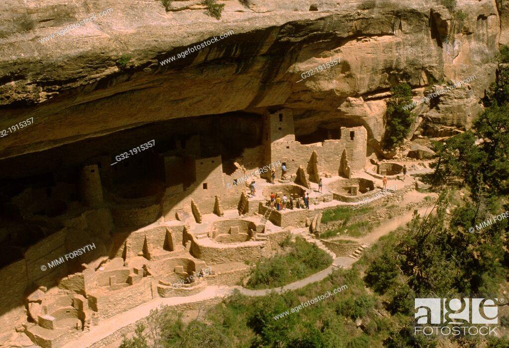 Stock Photo: Cliff dwelling built by Anasazi, Mesa Verde National Park, Colorado, USA.