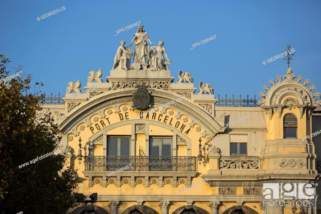 Imagen: Old entrance of Barcelona harbour. Vintage frontage Port de Barcelona.