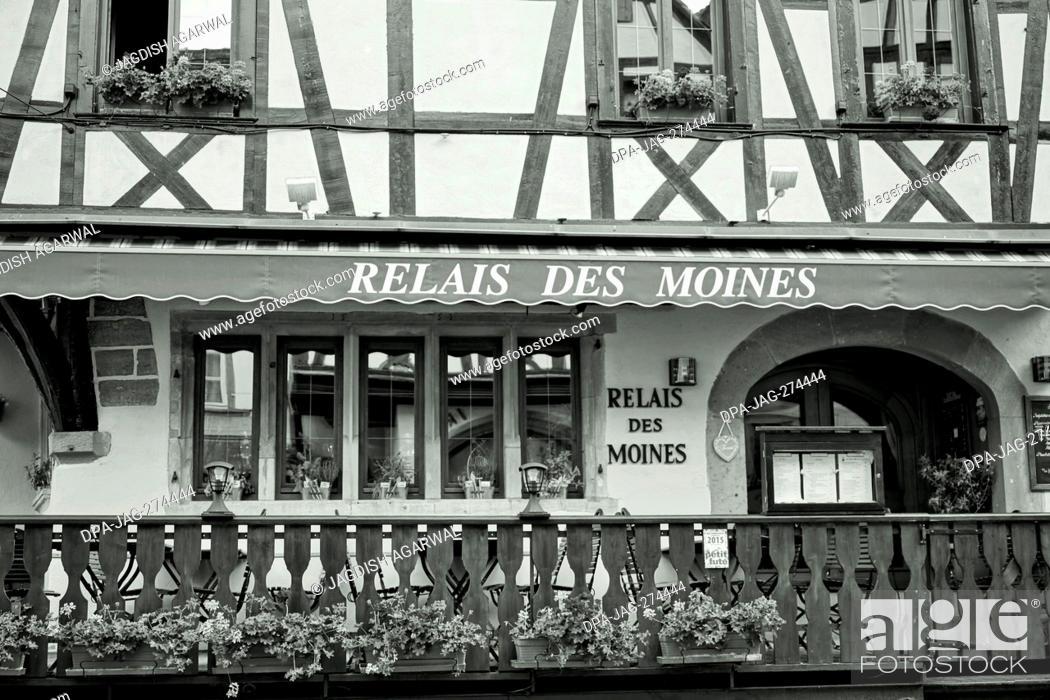 Imagen: Relais Des Moines, Restaurant, Old House, Riquewihr, Alsace, France, Europe.