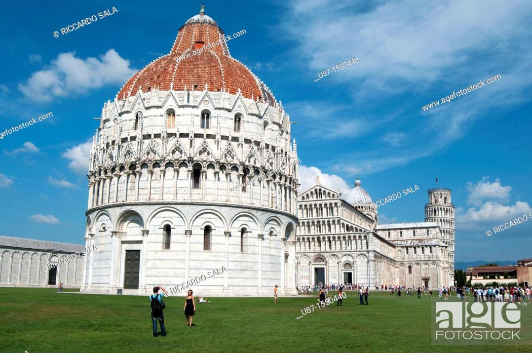 Stock Photo: Italy, Tuscany, Pisa, Piazza dei Miracoli, Baptistry Cathedral and Leaning Tower.