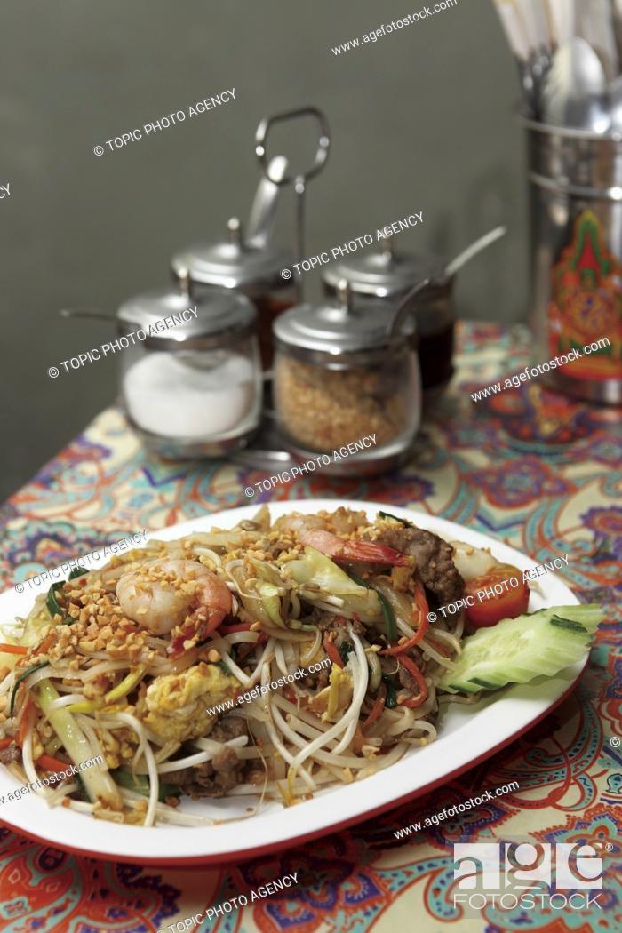 Stock Photo: Phat Thai (Thai noodle dish with shrimps).