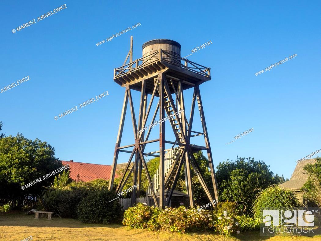 Imagen: Wooden water tower in Mendocino, California.