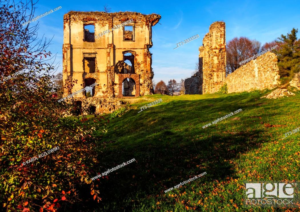 Imagen: Poland, Swietokrzyskie Voivodeship, Kielce County, Bodzentyn Castle.