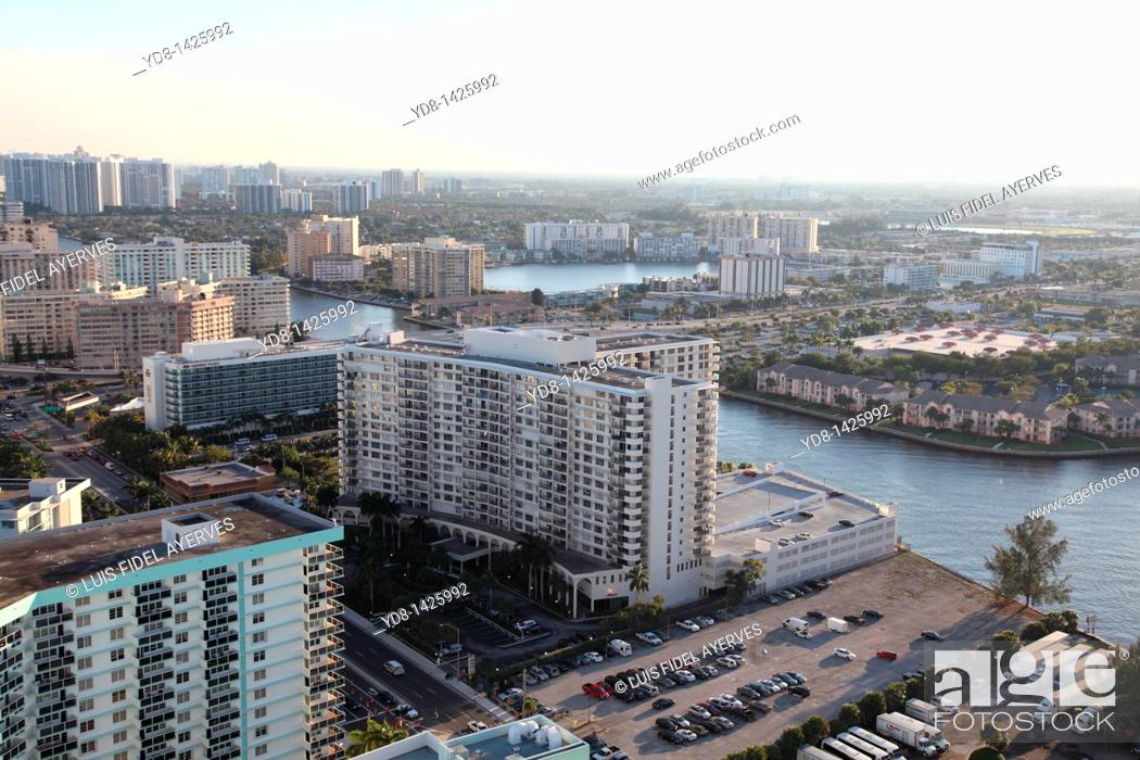 Stock Photo: Panoramic View of Hallander Beach, Florida, USA.