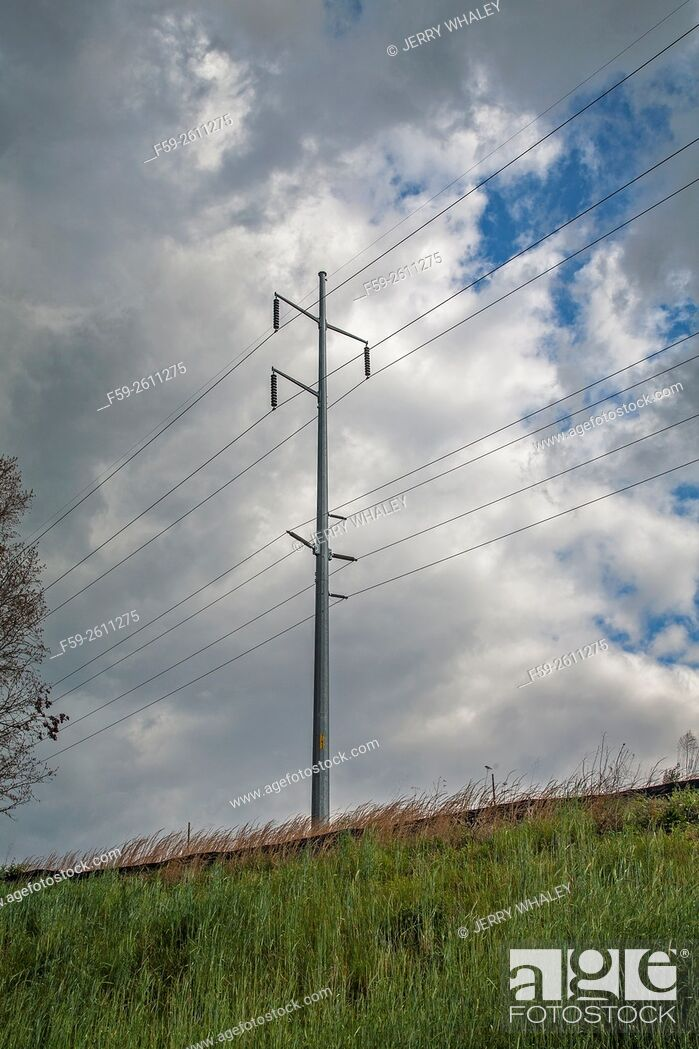 Stock Photo: Power lines, East Tennessee in the spring, USA.