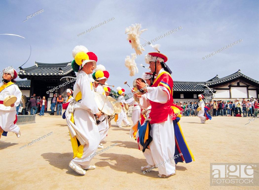 Imagen: SamulnoriKorean Music Traditional Performance, Korea.