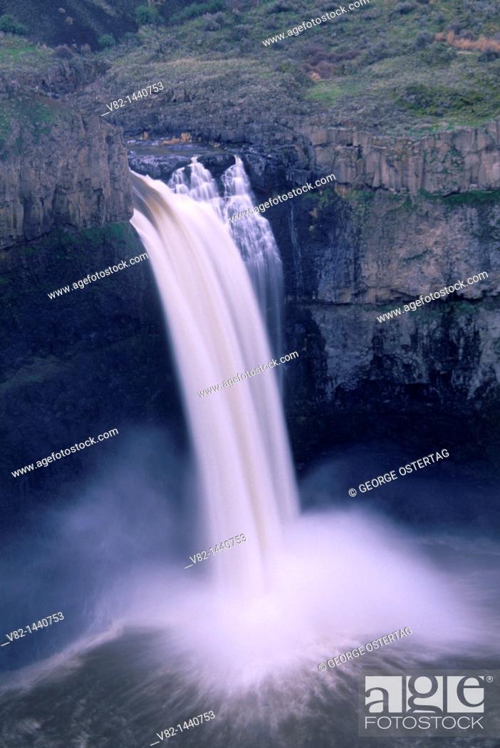 Stock Photo: Palouse Falls, Palouse Falls State Park, WA.