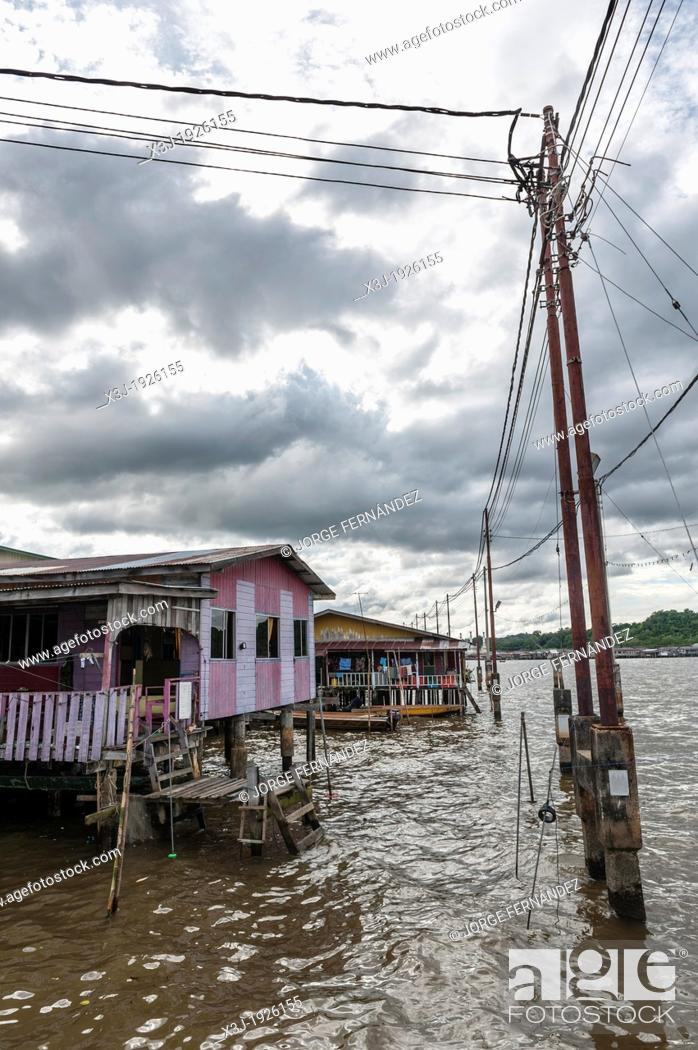 Stock Photo: Stilt houses of the Kampung Ayer neighbourhood, Bandar Seri Bengawan, Brunei, Asia.